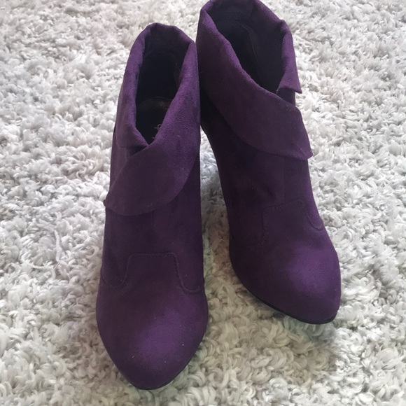 Qupid Shoes - Cute Purple pump heels! ACCEPTING OFFERS